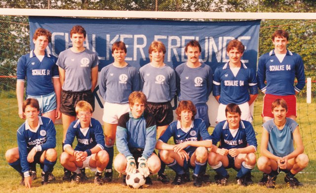 http://www.s04kraichgau.de/images/club/history/SFKTeam1986.jpg